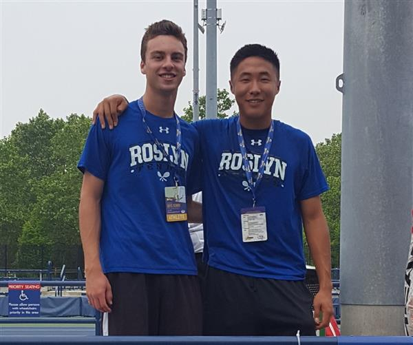 Roslyn Varsity Tennis Players Place in the State Tournament