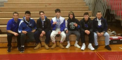 Roslyn Wrestlers and Coaches
