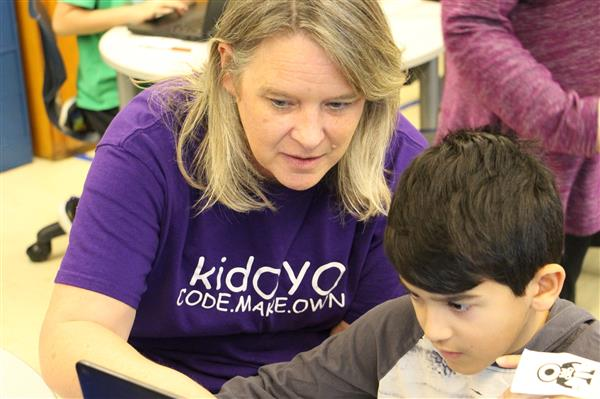 Teacher Kimberly Murphy uses the kidOYO coding curriculum with students at East Hills School
